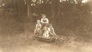 Gwarmacwydd Gocart on the Carriage driveway - 1939